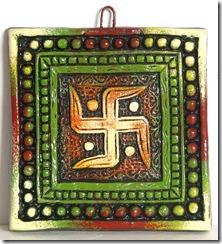 swastika-on-terracotta-plate-wall-hanging-bp95_l_thumb.jpg