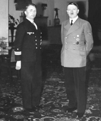 adolf hitler with guenther prien 01.01.1940