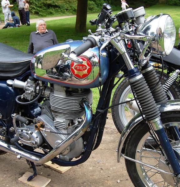 1200px-BSA_GOLD_STAR_MOTORCYCLE.jpg