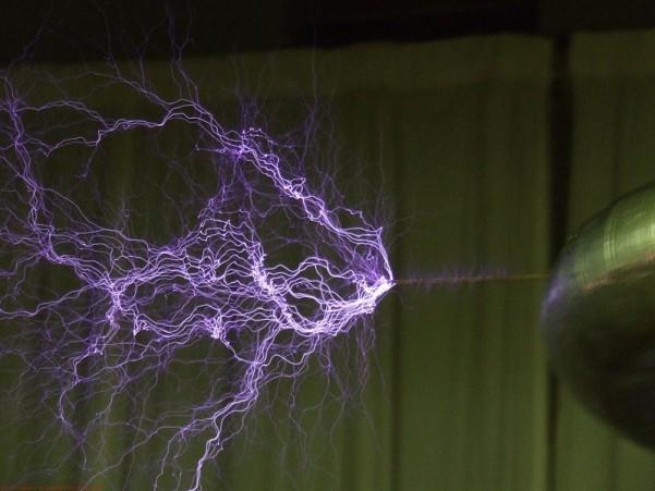 800px-Plasma-filaments.jpg